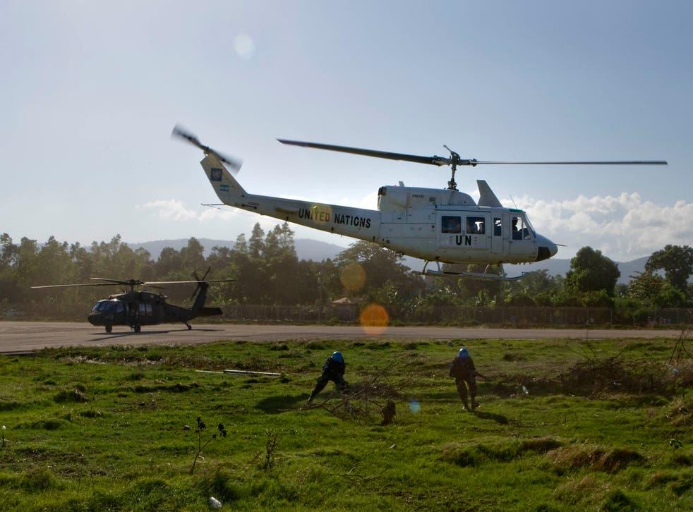 <p>Un helicóptero operado por una fuerza internacional de fuerzas de paz se estrelló en la península egipcia del Sinaí.</p>