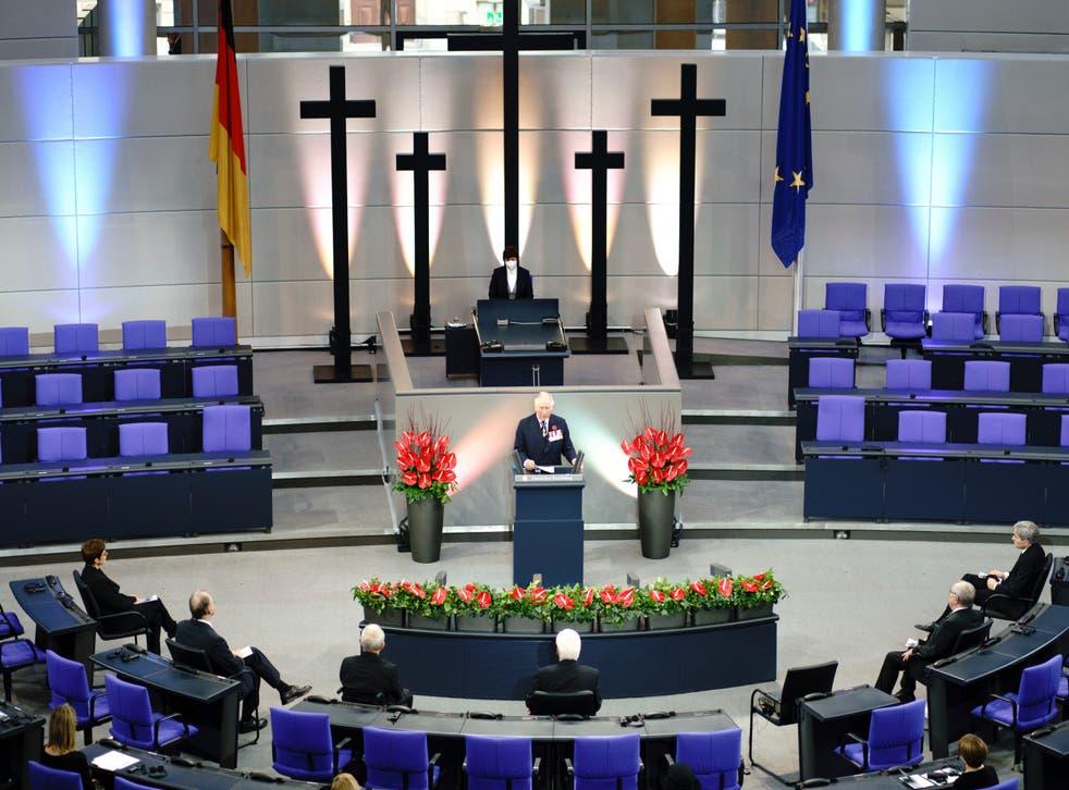 <p>Príncipe Carlos y su visita a Alemania.</p>