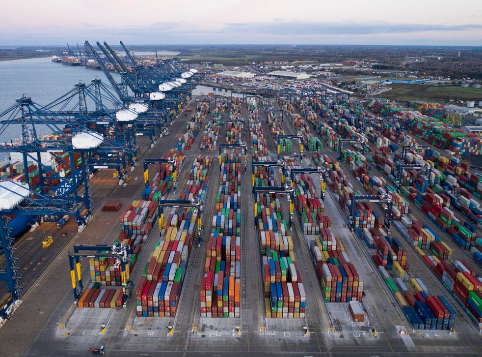 <p>Port chiefs protested they are still unable to 'start laying concrete, putting space in the ground'</p>