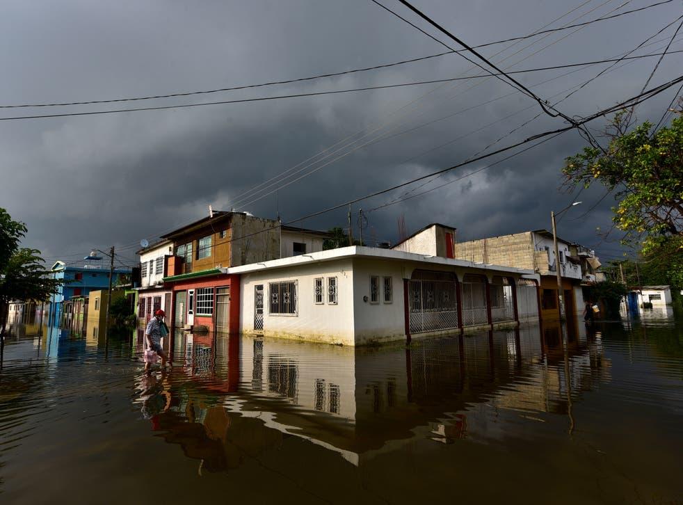 <p>Inundaciones tras fuertes lluvias en Villahermosa</p>
