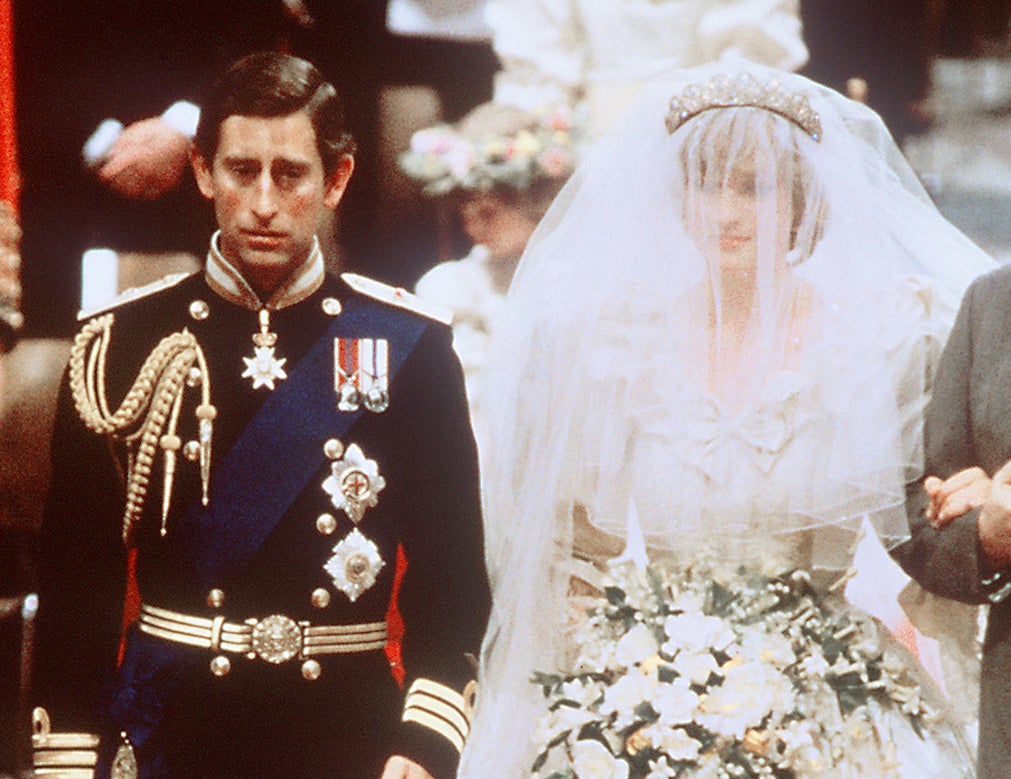 the crown prince charles and princess diana s wedding details from the dress to saying the wrong vows the independent the independent
