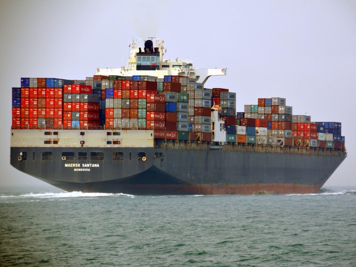 Shipping industry accused of 'greenwashing' and urged to decarbonise by environmental groups