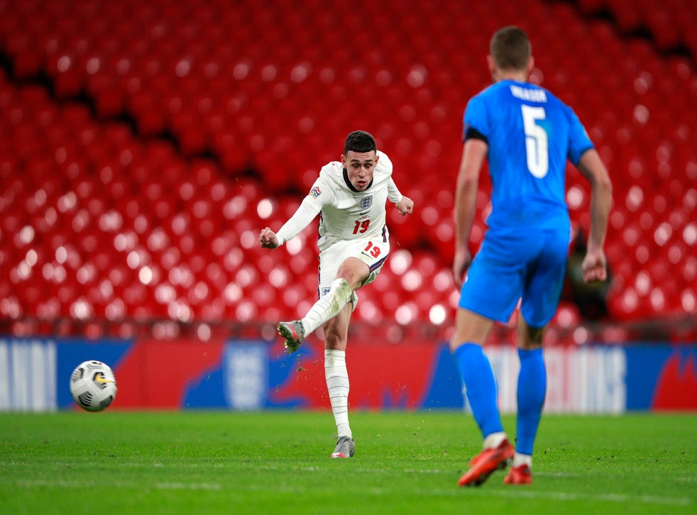 Phil Foden scores England's fourth goal