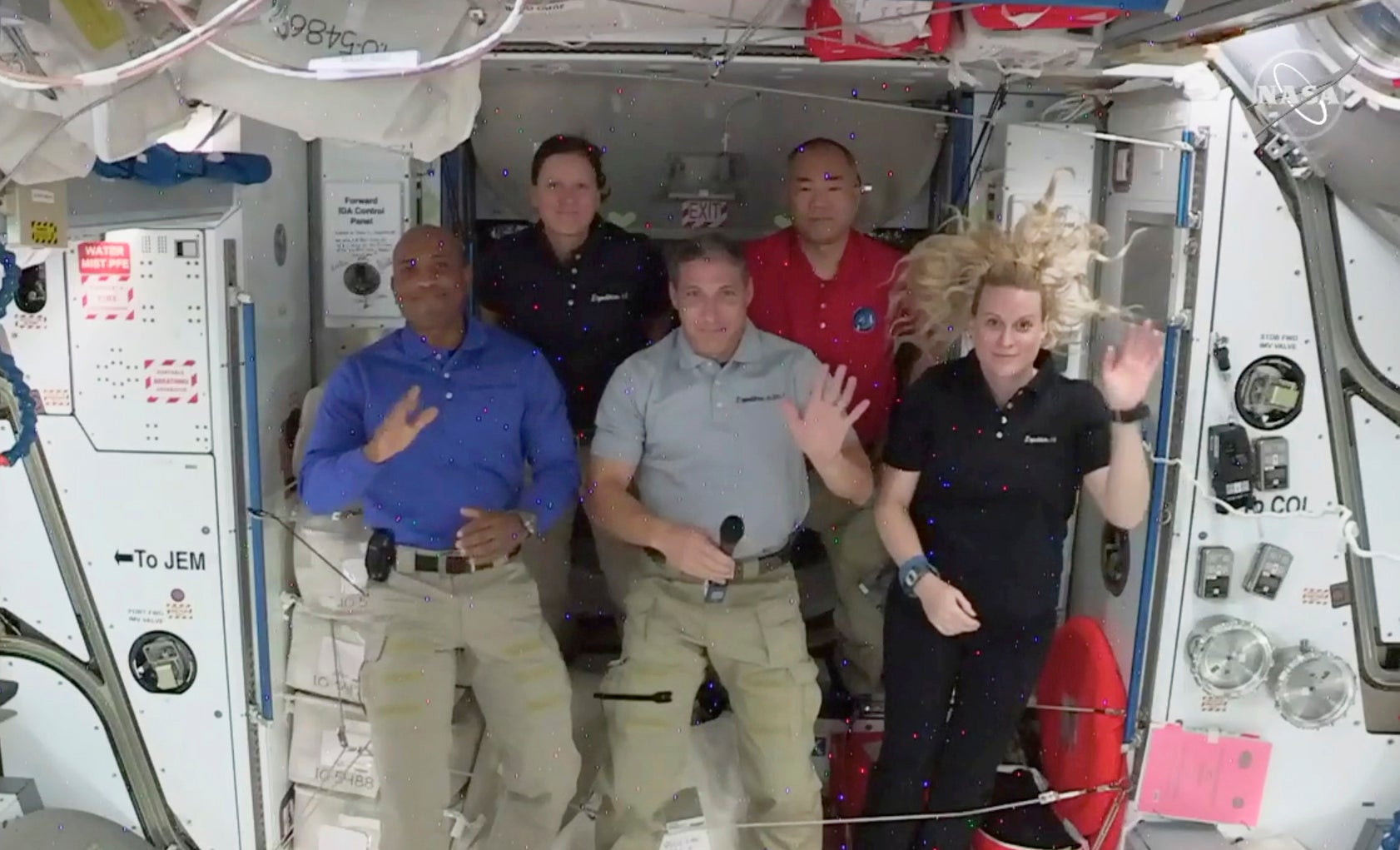 SpaceX crew says riding Dragon capsule beats NASA's old shuttles