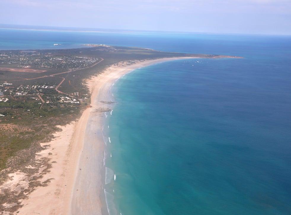 <p>Foto panorámica de Cable Beach, un popular destino turístico en Broome, Australia, el 24 de junio de 2014.</p>