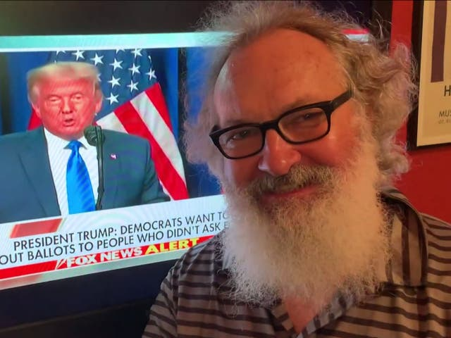 Randy Quaid drinking champagne while President Donald Trump spoke at the Republican National Convention in September 2020