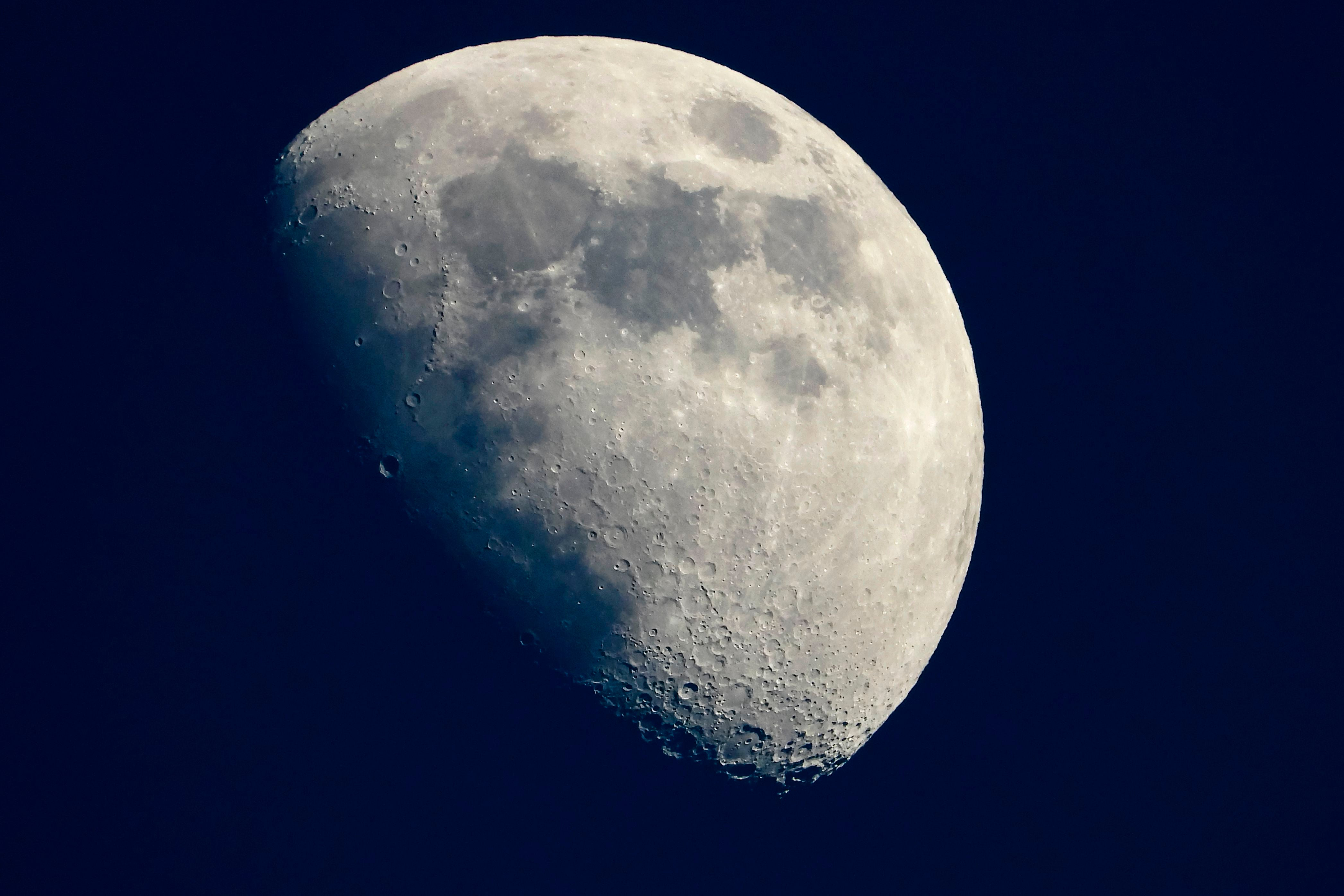 Scientists fear conflicts over the Moon's resources between governments and companies