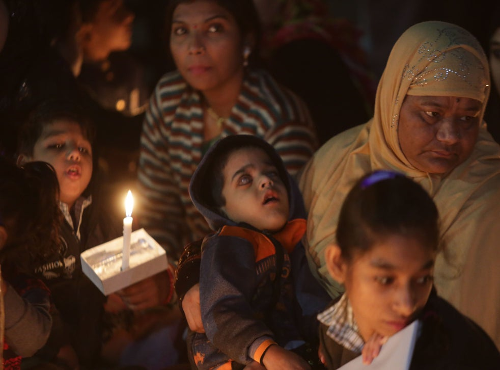pChildren of third generation gas victims in a candlelight vigil to remember the Bhopal gas disaster on 1 December, 2018/p