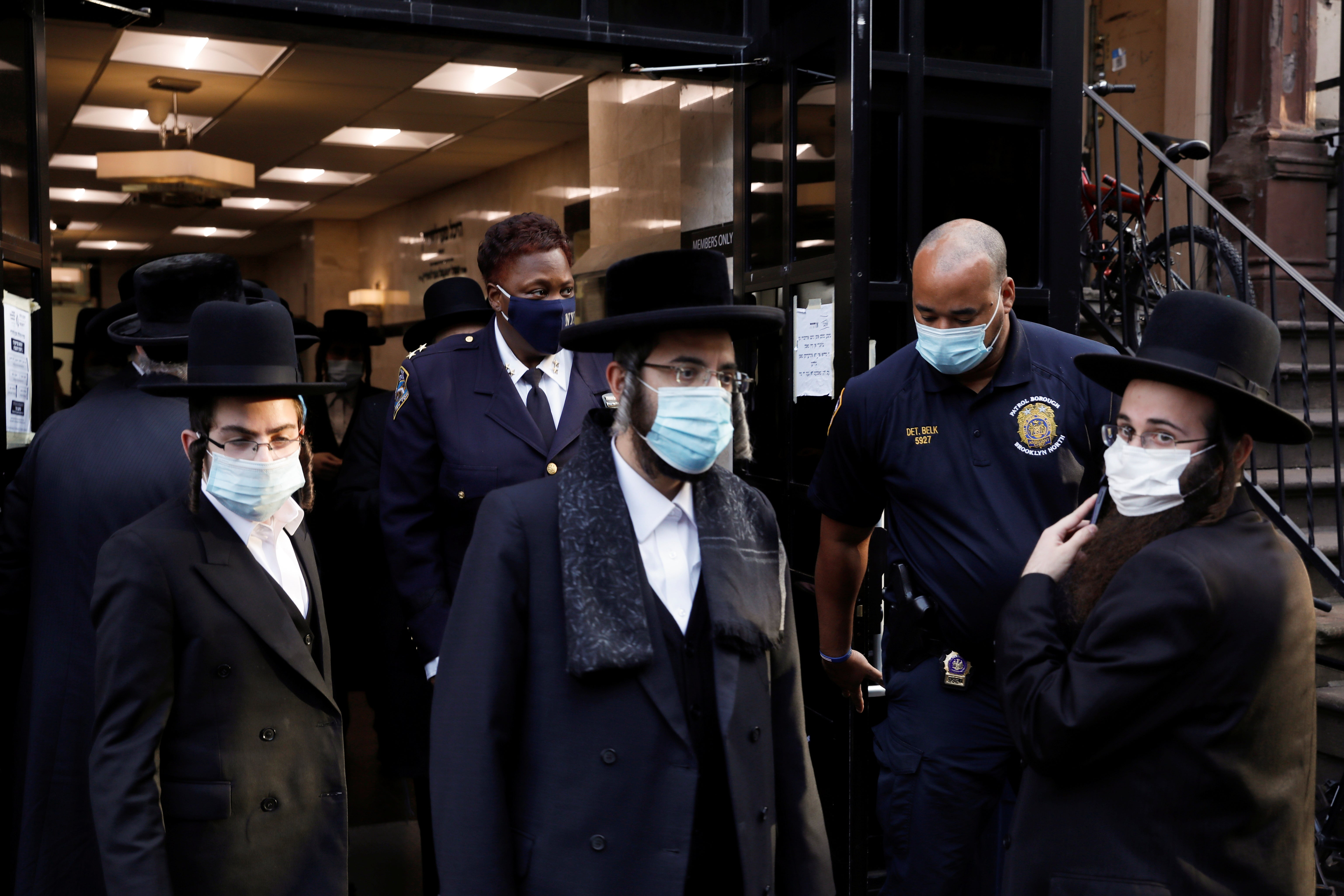 Amy Coney Barrett plays key role in overturning New York covid restrictions on religious gatherings - independent