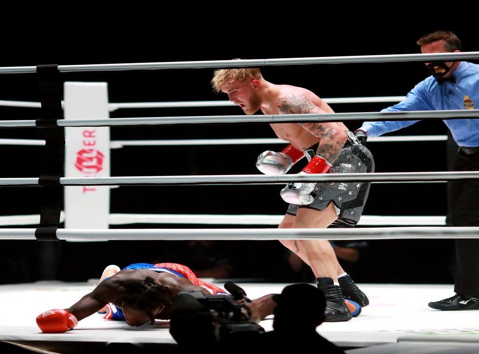 【影片】拳擊生涯首秀太慘烈!小土豆Robinson慘遭KO倒地不起,對手是油管網紅Paul!
