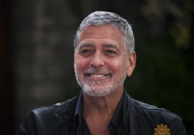 <p>Clooney aseguró que utiliza la máquina Flowbee para cortar su pelo</p>