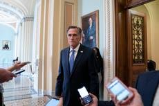 """""""Abrumador"""": Mitt Romney revela que no tenía idea de lo cerca que estaba de ser encontrado por la turba hasta que vio video"""