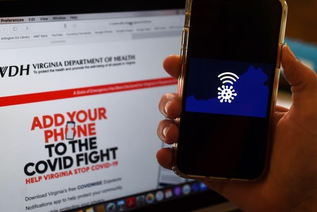 <p>En esta ilustración fotográfica, se muestra un logotipo de Covidwise &nbsp;en Arlington, Virginia, en medio de la nueva pandemia de coronavirus.</p>