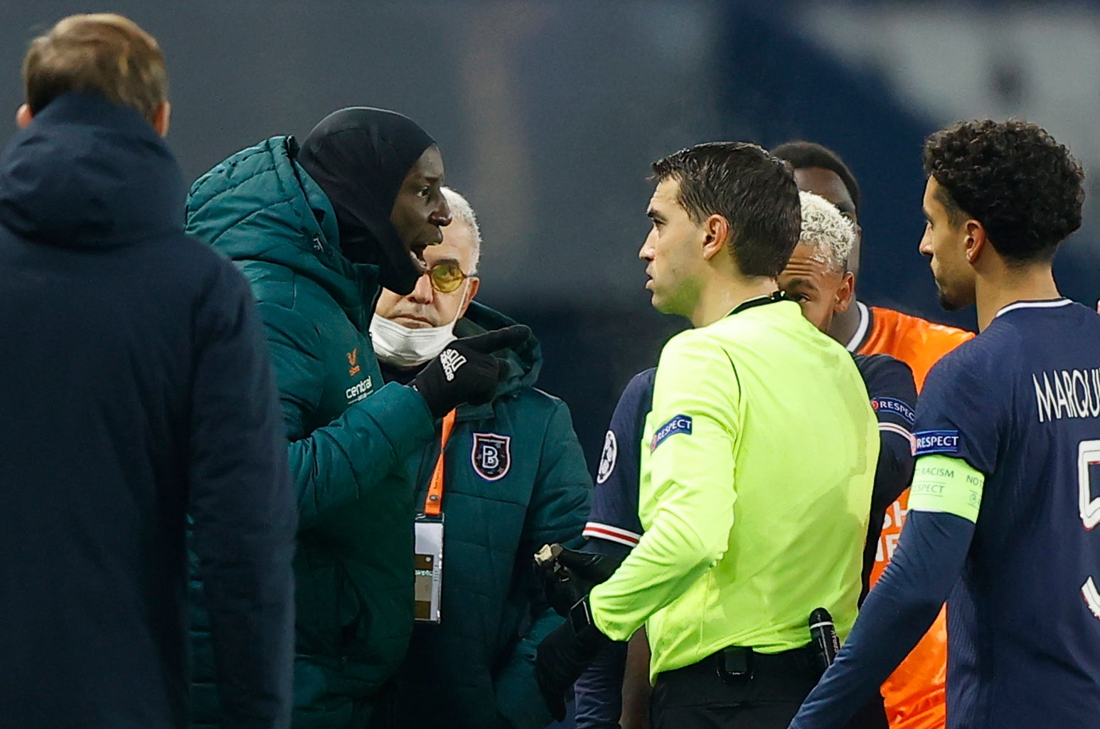 PSG vs Istanbul Basaksehir: Players walk off after alleged racism by match  official in Champions League | The Independent