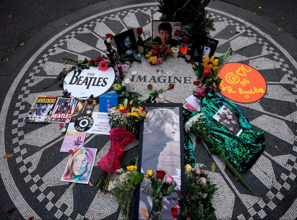El mosaico 'Imagine' en Strawberry Fields en Central Park el 8 de diciembre de 2020, el 40 aniversario de la muerte de John Lennon