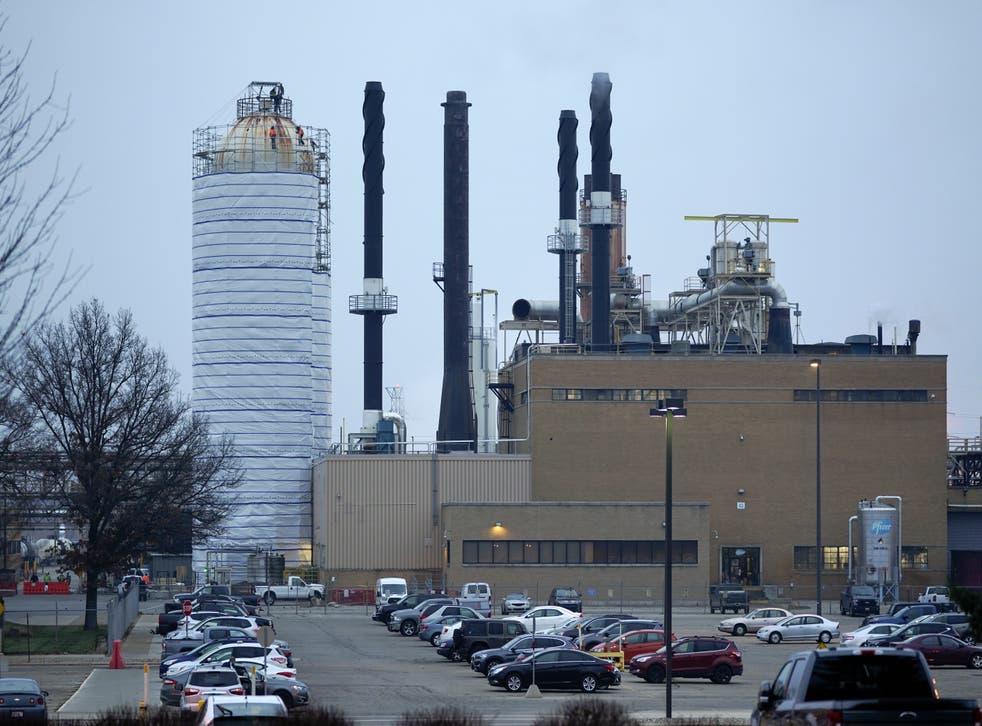 <p>La planta Pfizer Global Supply Kalamazoo se ve en esta fotografía en Portage, Michigan, tomada el viernes 11 de diciembre de 2020.&nbsp;</p>