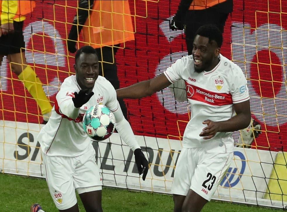 <p>Stuttgart alargó a tres los juegos sin ganar de Dortmund</p>