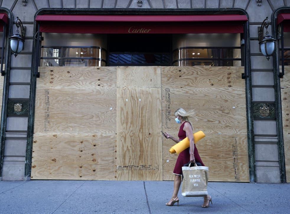 <p>Nueva York se prepara para un posible cierre total.</p>