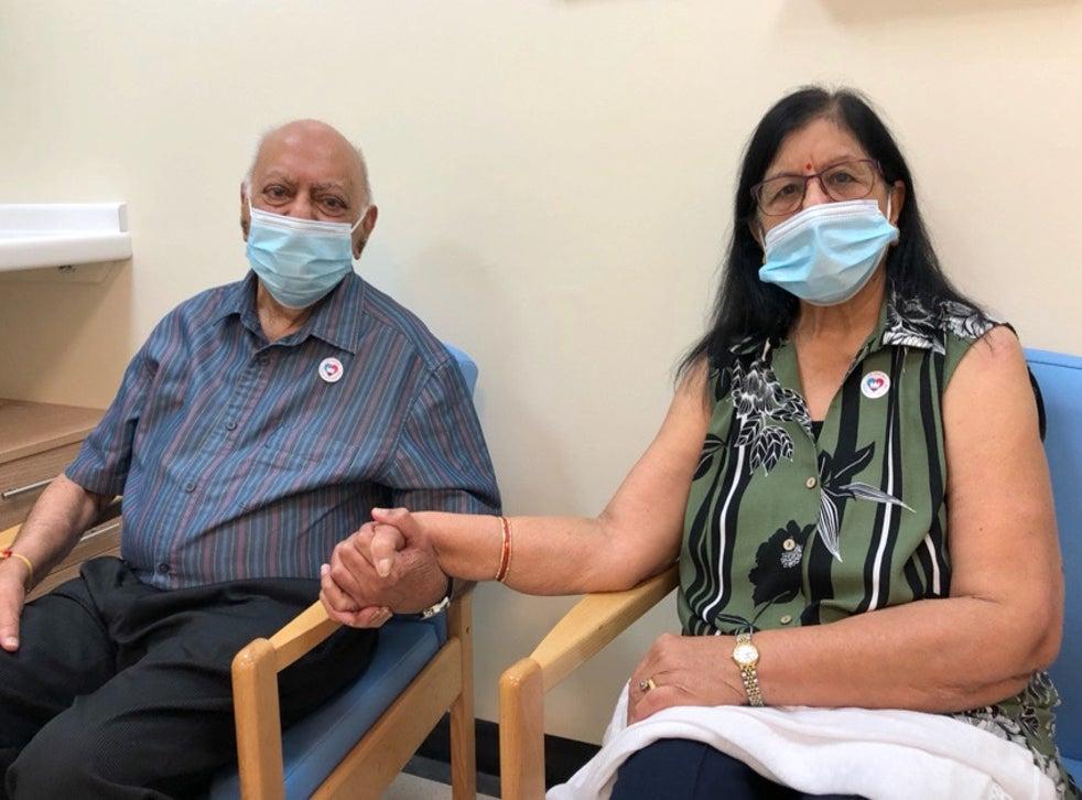 Bác sĩ Hari Shukla, 87 tuổi và vợ Ranjan, 83 tuổi