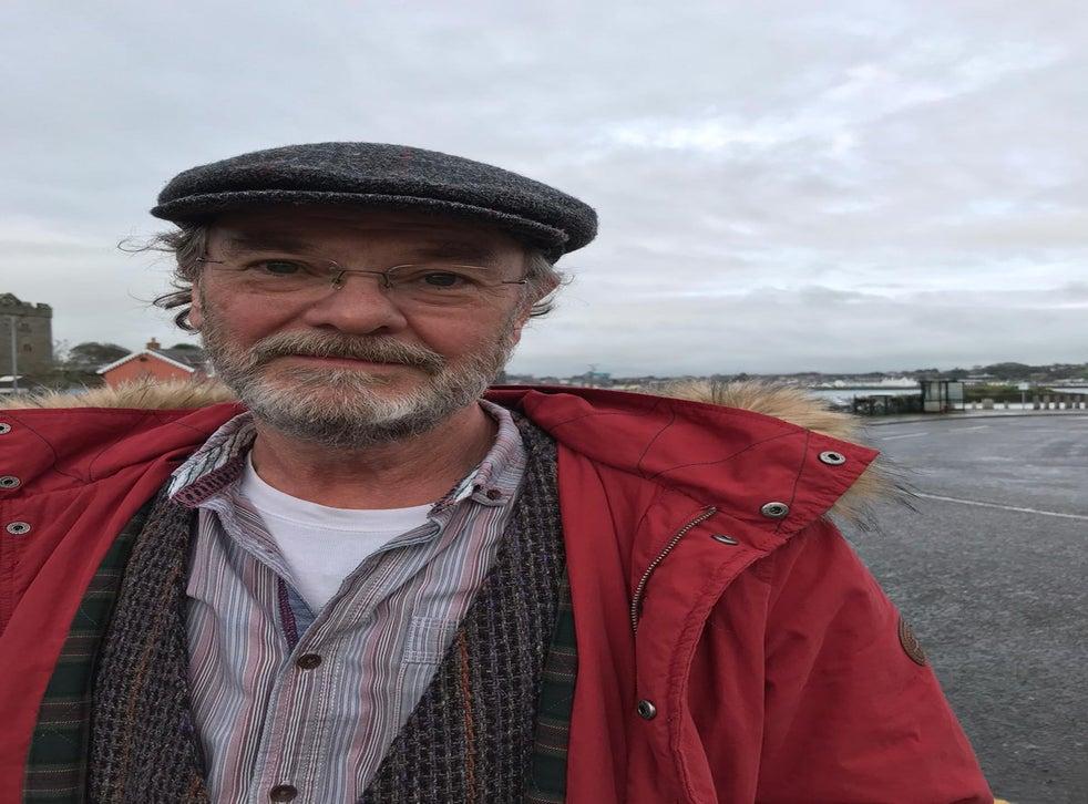 Micky O'Neill, 66 tuổi, đến từ Strangford, Bắc Ireland