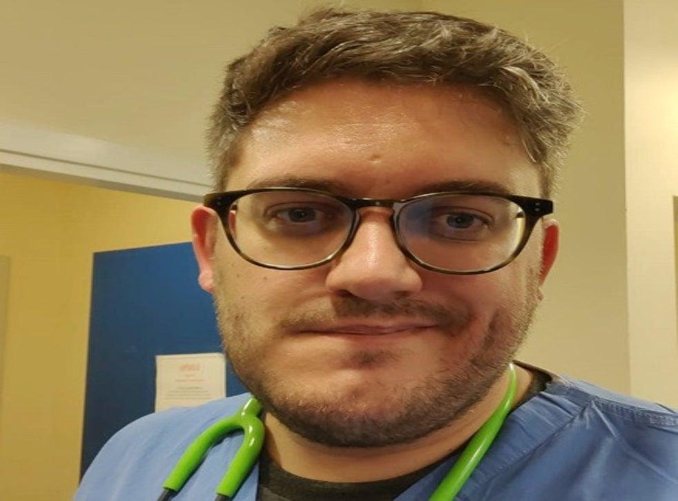 Tom Green, 36 tuổi, một học viên GP thực hiện luân phiên sáu tháng trong A + E tại Edinburgh Royal