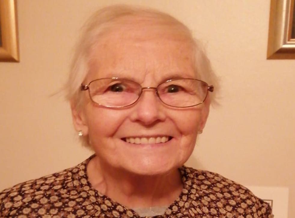 Margo Deaves, 81 tuổi, một y tá đã nghỉ hưu từ Inverness