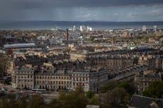 COVID: Escocia ordena un confinamiento durante todo el mes de enero