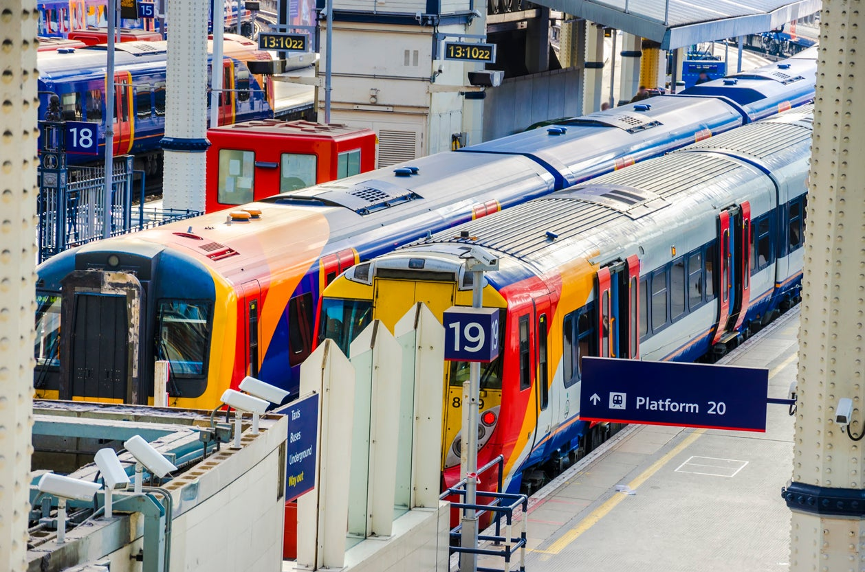Trains will not be overcrowded during Christmas travel window, government says