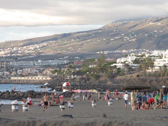 <p>The complex is near the Playa de las Americas</p>