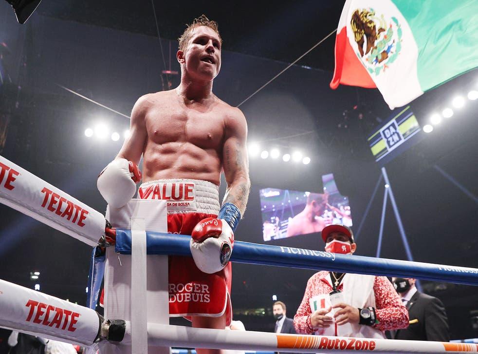 """<p>Saúl """"Canelo"""" Álvarez dio una lección de boxeo al británico, Callum Smith</p>"""