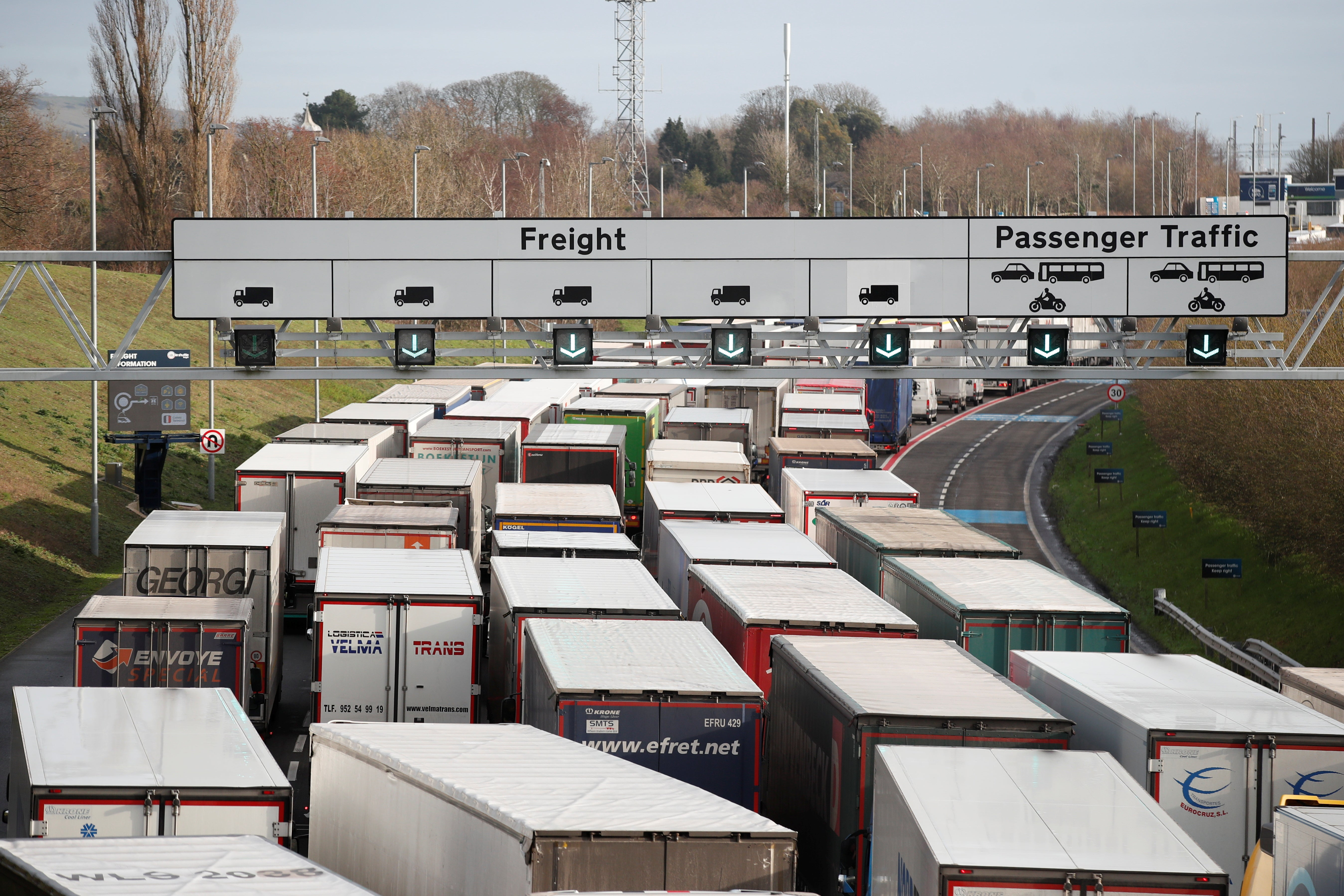 Coronavirus: Freight crisis as new strain leads France and European neighbours to ban travel from UK thumbnail