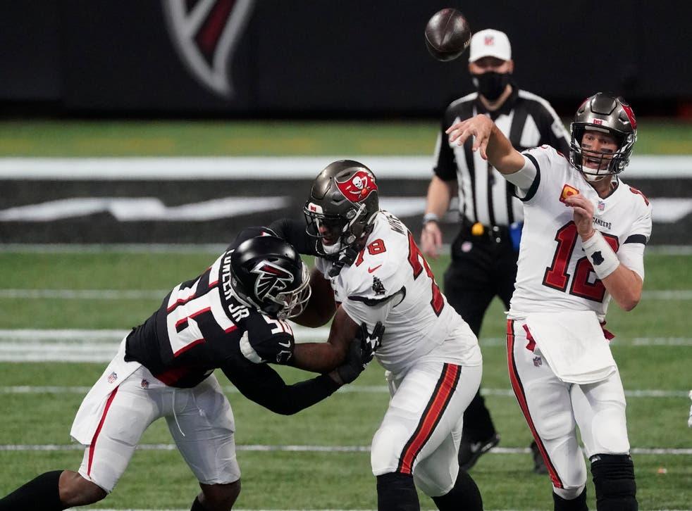 <p>El jugador más veterano de la liga completó 31 de 45 pases para 390 yardas y dos touchdowns.</p>