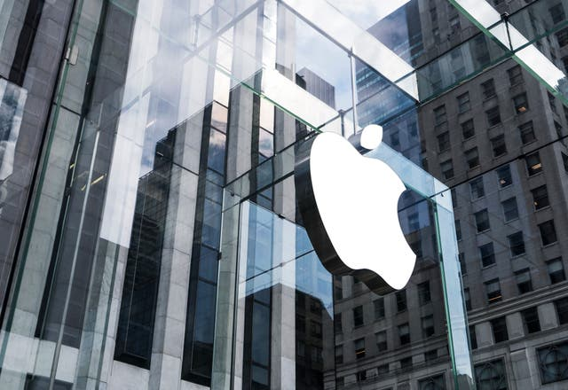 <p>Apple plans to build own car by 20204, report says</p>