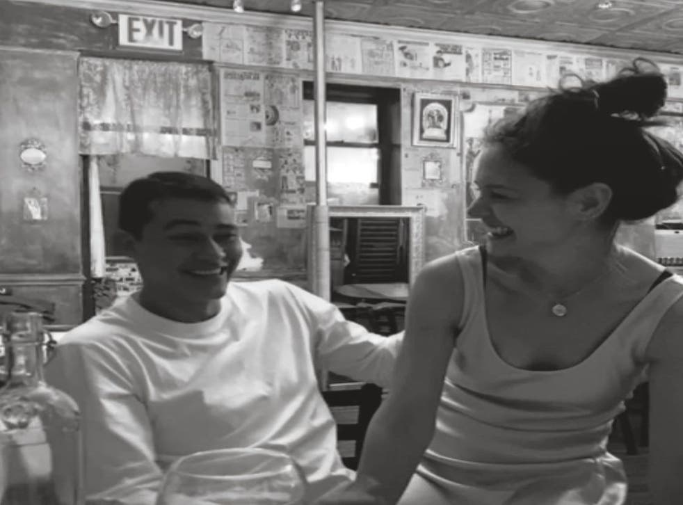 <p>El chef neoyorkino ha compartido una imagen de ambos en Instagram para felicitar a la actriz por su 42 cumpleaños.</p>