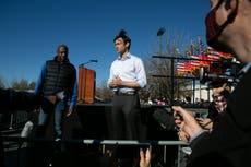 Michelle Obama ayuda a repuntar a demócratas en Georgia