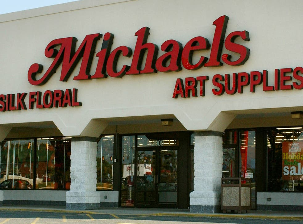 <p>Woman told officers that a couple followed her into a Michaels craft store in Petaluma.</p>