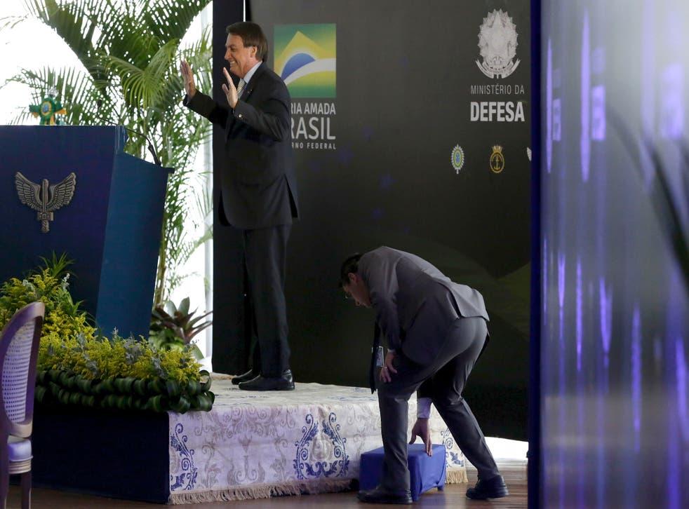<p>Jair Bolsonaro da un mensaje de Navidad en el que plantea más dudas sobre una vacuna contra el coronavirus.&nbsp;</p>
