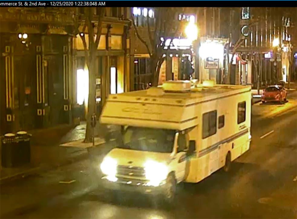 <p>Imagen tomada de un video de seguridad y difundido por la policía de Nashville muestra una casa rodante que fue usada como coche bomba.</p>
