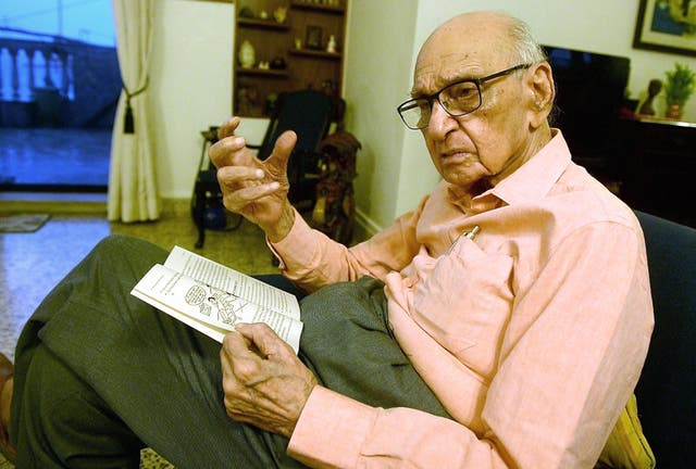<p>India's most popular 'sex columnist' Mahinder Watsa had drawn both fans and critics with his straight-talking approach&nbsp;</p>