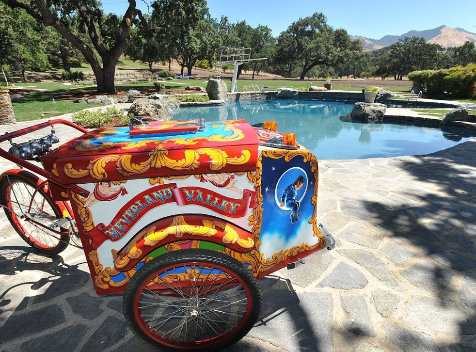 A vintage ice-cream bike gifted to Jackson by Elizabeth Taylor