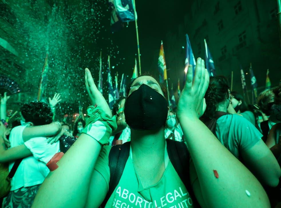 <p>Argentina se convirtió en el primer país importante de América Latina en legalizar el aborto</p>