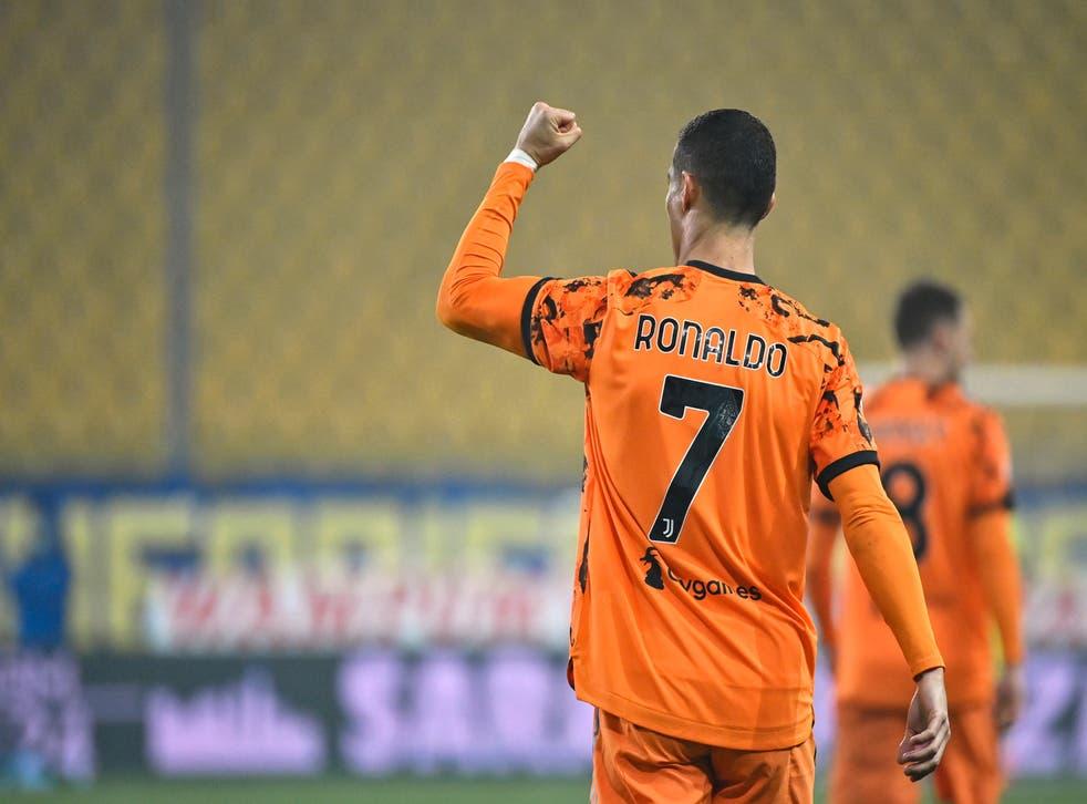 <p>Cristiano Ronaldo, de la Juventus, festeja luego de anotar uno de sus dos tantos frente al Parma, en un encuentro de la Serie A italiana, el sábado 19 de diciembre de 2020.</p>