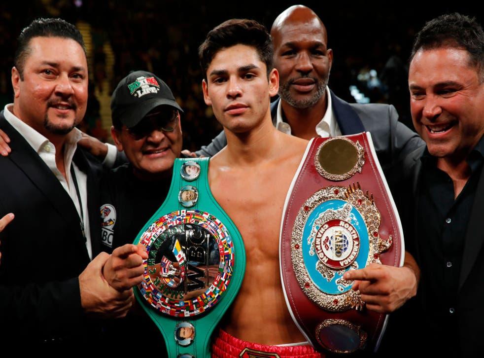 <p>Se espera que el promotor Oscar De La Hoya, quien se quedó sin Saúl Álvarez, convierta a Ryan García en la próxima gran estrella del boxeo.</p>