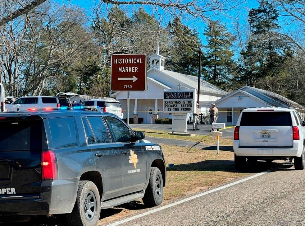 <p>No está claro exactamente cuándo el hombre entró a la iglesia en Starrville, cerca de Winona.</p>