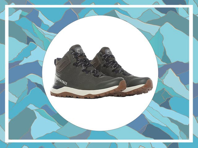 <p>Whether you're going on a nature-filled&nbsp;getaway&nbsp;from the city or simply in the market for new boots, these practical hiking shoes are a great choice for winter</p>