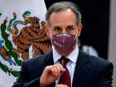 Subsecretario de salud de México Hugo López-Gatell enfrenta críticas por irse de vacaciones a la playa