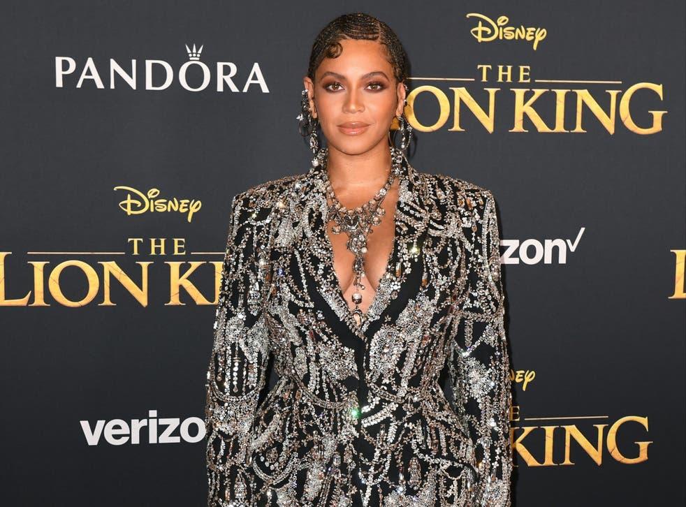 Beyonce comparte nuevas imágenes de su familia en un clip de fin de año