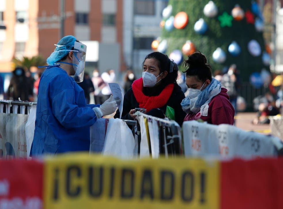 <p>La economía de América Latina cayó durante 2020 un 6.9% debido a la pandemia de COVID-19</p>