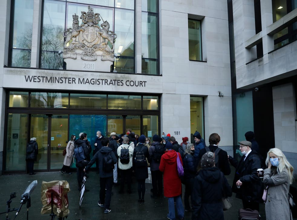 """<p>La juez dijo el miércoles que Assange """"tiene un incentivo para fugarse"""" y hay posibilidades de que no vuelva a comparecer ante la corte si es liberado.</p>"""