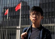 Hong Kong: detienen a joven activista promotor de la democracia y a su vez liberan a abogado de EE.UU. detenido por operación represiva